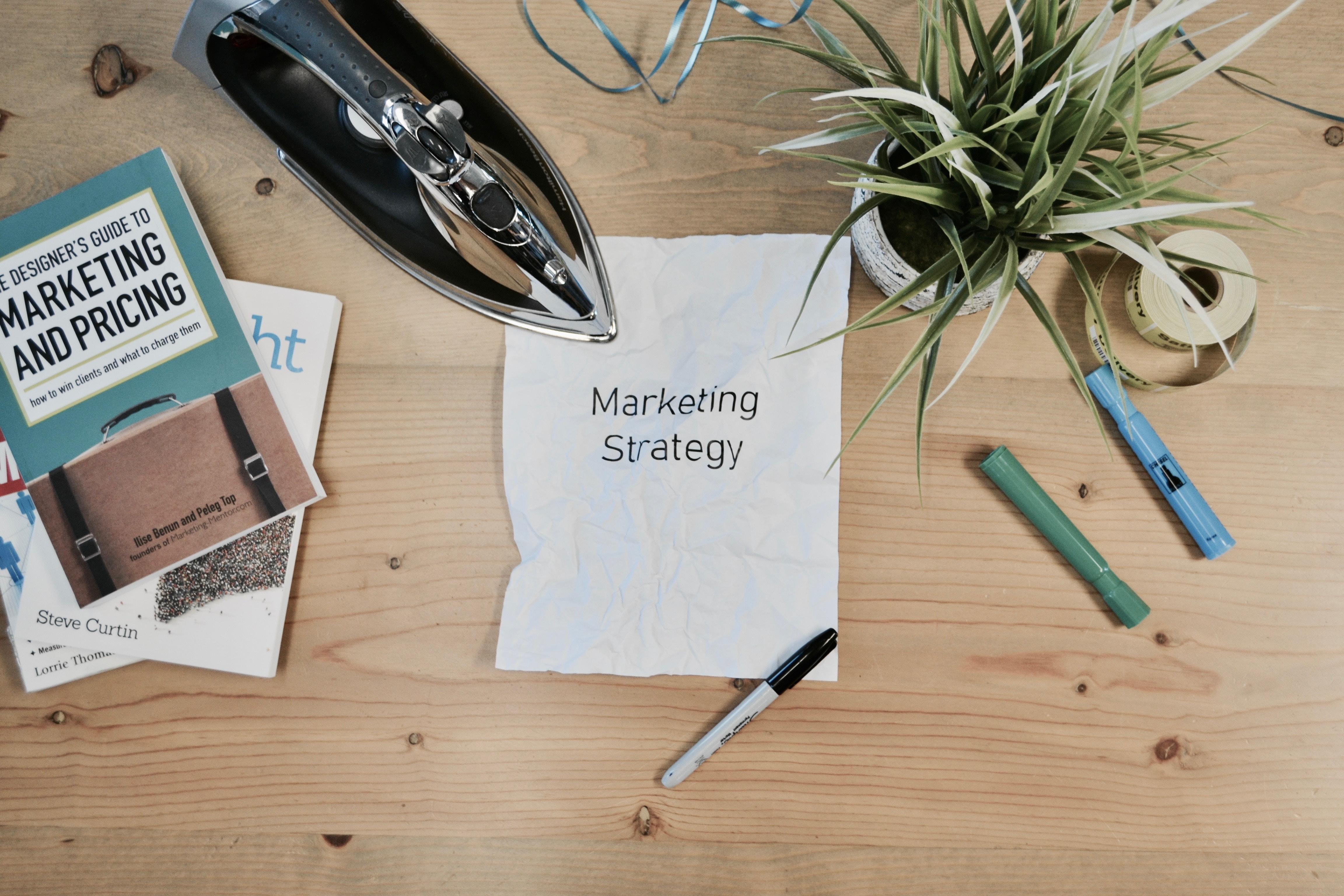 Choosing between an in-house team vs. external marketing team